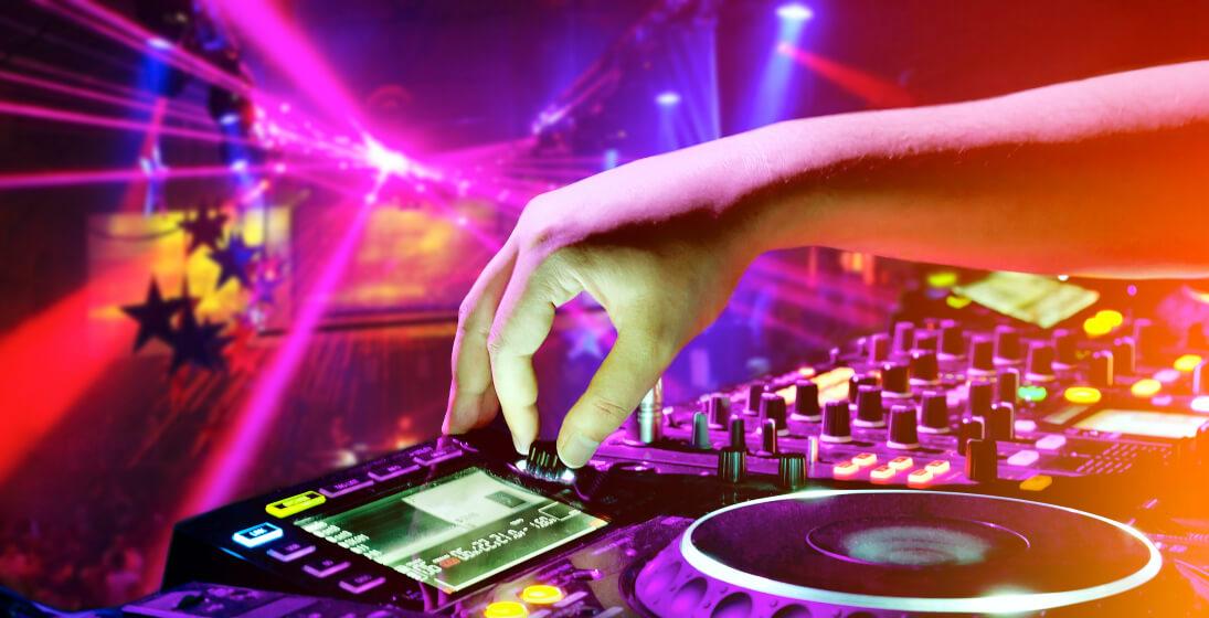 DJ na svatbu, oslavu i věčírek