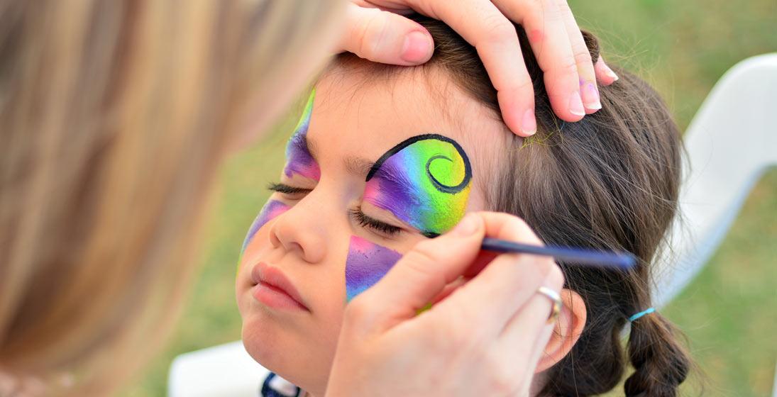Motýl malovaný na obličej